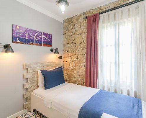 ayapetro-odalar-10-495x400 Odalarımız