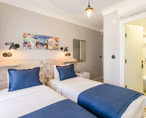 ayapetro-odalar-3-495x400 Odalarımız